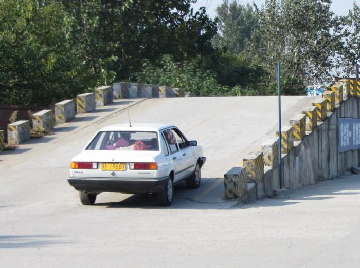 最新科目二坡道定点停车和起步技巧