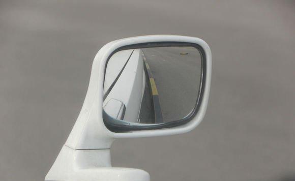 靠边停车技巧详细图解 一步一图解锁新技能